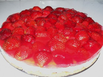 Selgas cepumu torte ar biezpienu un zemenēm