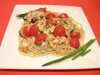 Pasta spageti ar garnelēm un mīdijām