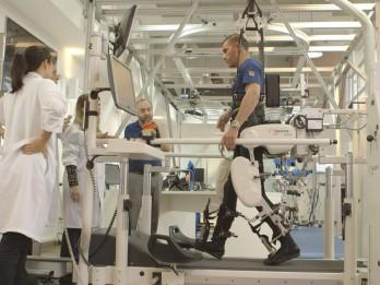 Vai nākotnes tehnoloģijas var radīt uzlabotu cilvēka versiju?