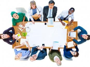 Gudrā nākotne: kuras profesijas izzūd un kuras kļūst populārākas?
