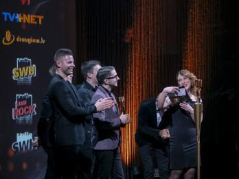 Uz Zelta Mikrofonu kategorijā Radio hits pretendē Astro'n'out, Dons, Musiqq, Triana Park un DJ Rudd ar Māru Upmani-Holšteini