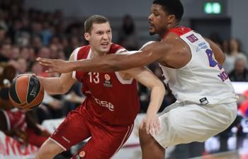 Strēlniekam 10 punkti Bambergas pirmajā uzvarā pār CSKA
