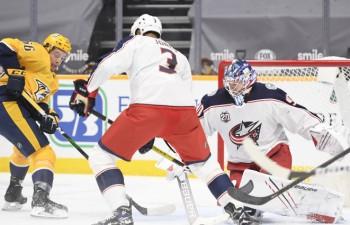 Merzļikins sāk NHL sezonu ar neveiksmi, Kolumbusai vēlreiz aizvadot vāju trešo periodu