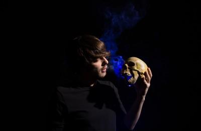 """Avangardiska spēle ar mūžīgo – Daugavpils teātrī gaidāma """"Hamleta"""" pirmizrāde"""