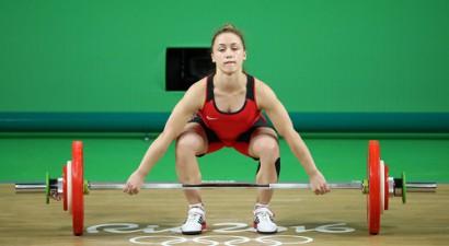 18 gadus vecā svarcēlāja Koha olimpiskajā debijā izcīna augsto 4. vietu