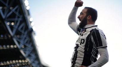 ''Juventus'' ātri izvirzās vadībā un pārliecinoši uzvar ''Lazio''