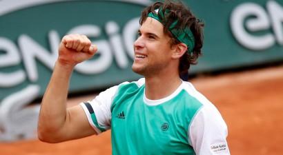Tīms pirmoreiz uzvar Džokoviču, pusfinālā tiksies ar Nadalu