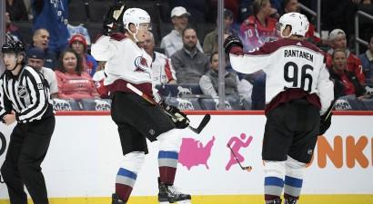 """""""Avalanche"""" četri vārti pirmajās desmit minūtēs, """"Oilers"""" pirmā neveiksme"""