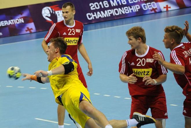 Latvijas U-20 handbola izlase noslēdz pārbaudes spēļu ciklu ar uzvaru
