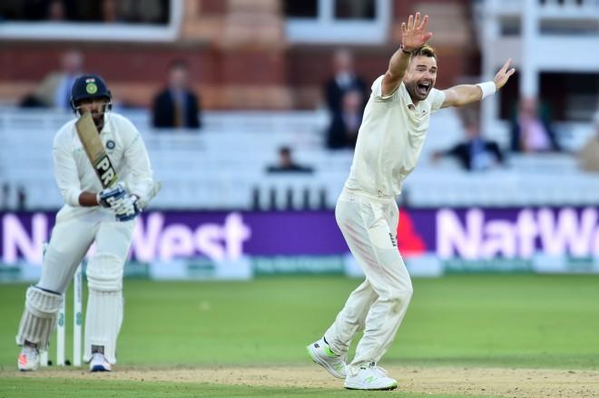 Andersons palīdz Anglijai noturēt Indiju uz 107 punktiem