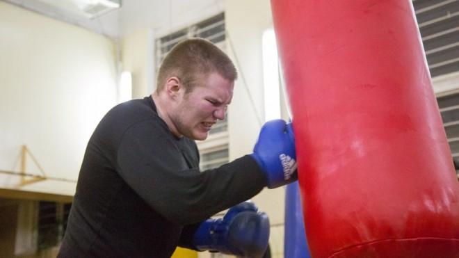 Bokseris Servuts zaudē pasaules studentu čempionāta pusfinālā