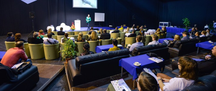 """Izstādē """"RIGA COMM 2015"""" padomi uzņēmējiem un diskusijas tehnoloģiju entuziastiem"""