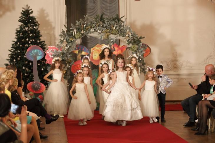 Starptautiska bērnu modes balle L'Officiel Latvija ziemas pasaka 2015 Rundāles pilī!
