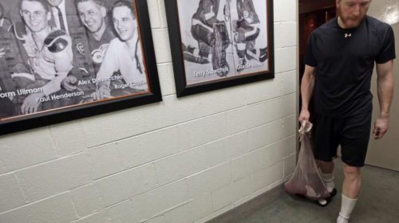 Marians Hosa pēc pēdējās spēles Foto: AFP