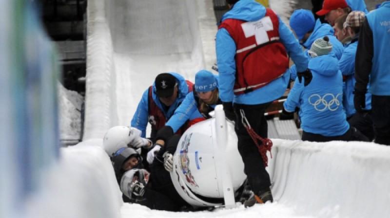 Jāņa Miņina ekipāža pēc šodien piedzīvotā kritiena Foto: Romāns Kokšarovs, Sporta Avīze