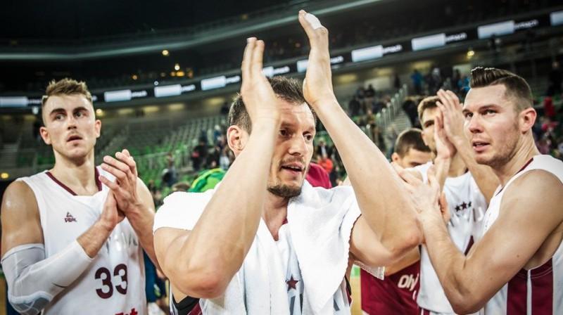 Mārtiņš Meiers, Jānis Blūms un Dairis Bertāns. Foto: FIBA