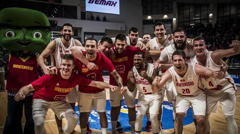 Melnkalnes basketbolisti pēc uzvaras pār Turciju. Foto: FIBA