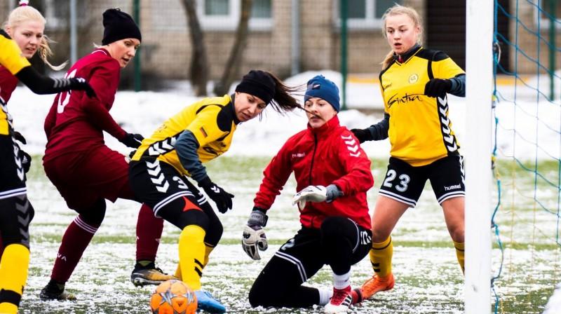Sniega futbols Olainē / Foto: Nora Krevņeva-Baibakova