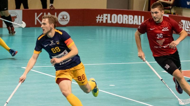 Izšķirošajā spēlē daudz būs atkarīgs no ulbrokiešu kapteiņa Rolanda Kovaļevska parādītā snieguma Foto: Floorball.lv