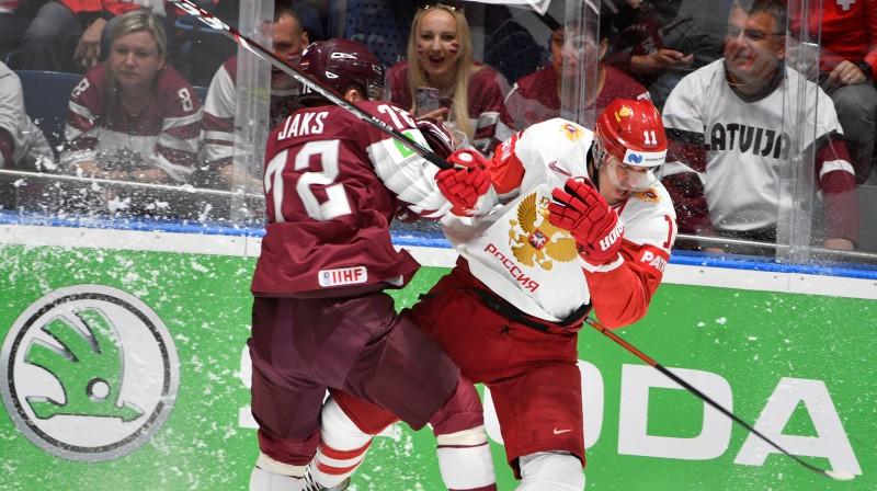 Jānis Jaks cīņā ar Jevgeņiju Malkinu. Foto: Romāns Kokšarovs/F64
