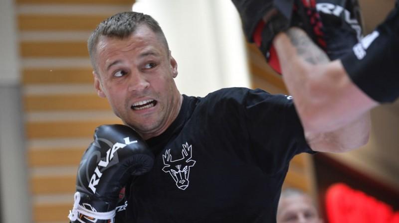 Maris Briedis atklātajā treniņā. Foto: Romāns Kokšarovs, F64