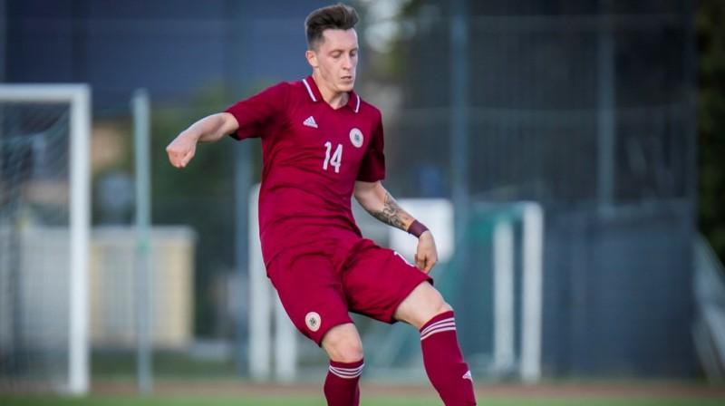 Aleksejs Saveļjevs spēlē pret Poliju. Foto: LFF