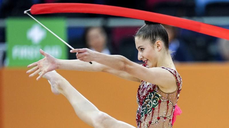 Jeļizaveta Polstjanaja pasaules čempionāta sacensībās ar lentu. Foto: Sputnik/Scanpix