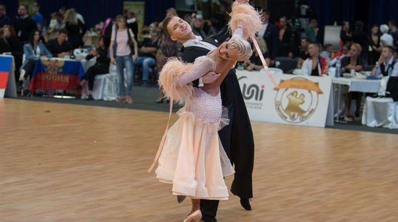 A.Griņēvičs/K.Dobrovoļskite. Foto: Roland, Worlddancesport.