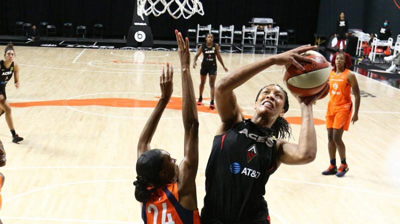 Eiža Vilsone: 2020. gada WNBA sezonas vērtīgākā spēlētāja. Foto: WNBA