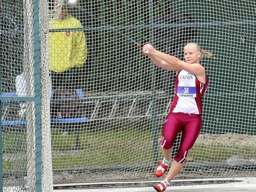 Laura Igaune labo Latvijas rekordu vesera mešanā