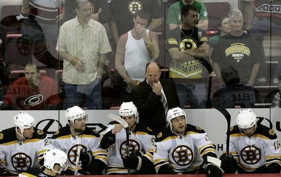 Žuljēns pagarina līgumu ar ''Bruins''
