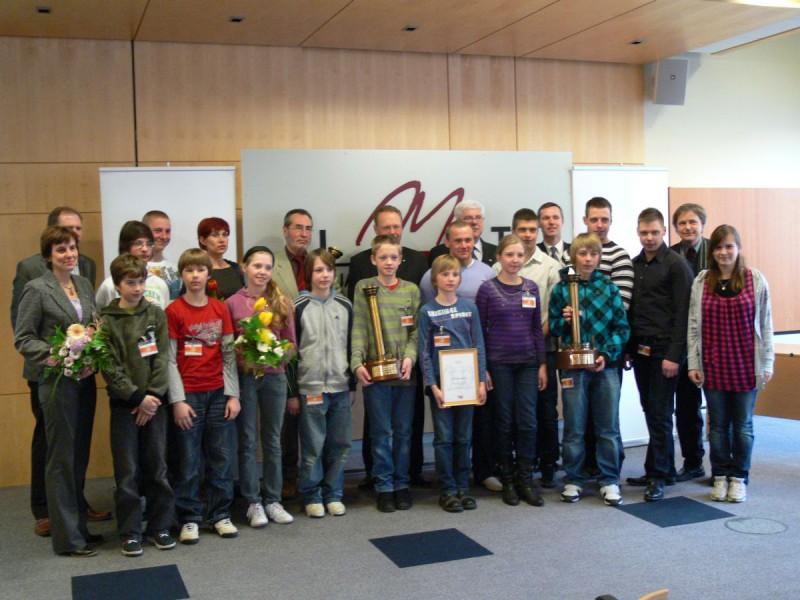 Apbalvo jaunatnes ziemas olimpiādes uzvarētājus
