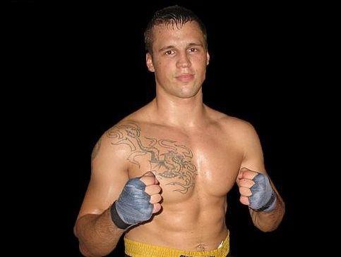 Kārtējie Latvijas čempionu tituli boksā Briedim un Grišuņinam