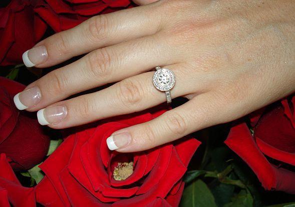 Uz kura pirksta nēsāt gredzenu, lai kļūtu veiksmīgs