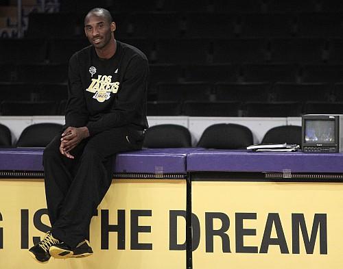 NBA klasiskais fināls var sākties!