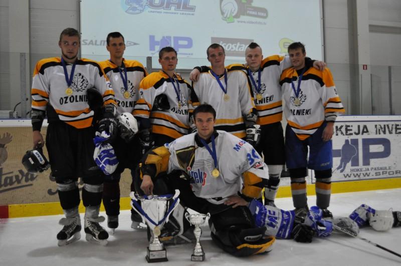 "Sportacentrs.com minihokeja 2010.gada vasaras čempioni- ""Rutki"""