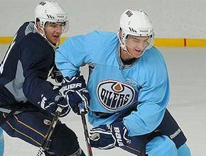 """Pelšs noslēdz dalību """"Oilers"""" treniņnometnē"""