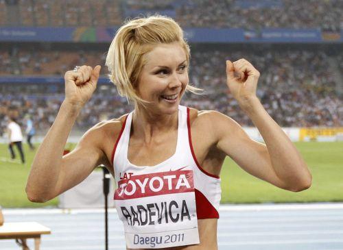 Radeviča iekļūst finālsacensībās, Grīvai olimpiāde beigusies