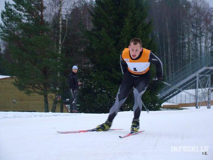 Arnis Pētersons pārsteidz ar labu rezultātu 10km distancē Jaunatnes Olimpiskajās spēlēs