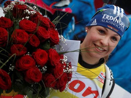 Noinere no biatlona atvadās ar 6. vietu, uzvar Domračeva