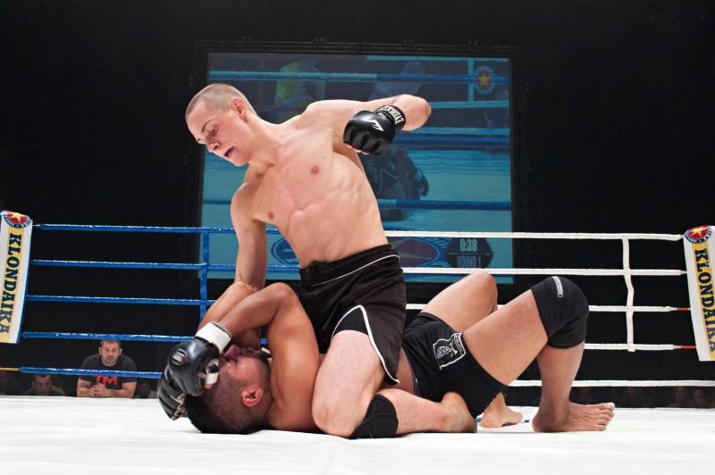 MMA cīkstonis Edgars Skrīvers Kanādā cīnīsies ar pazīstamo Ksavjē Alaoi