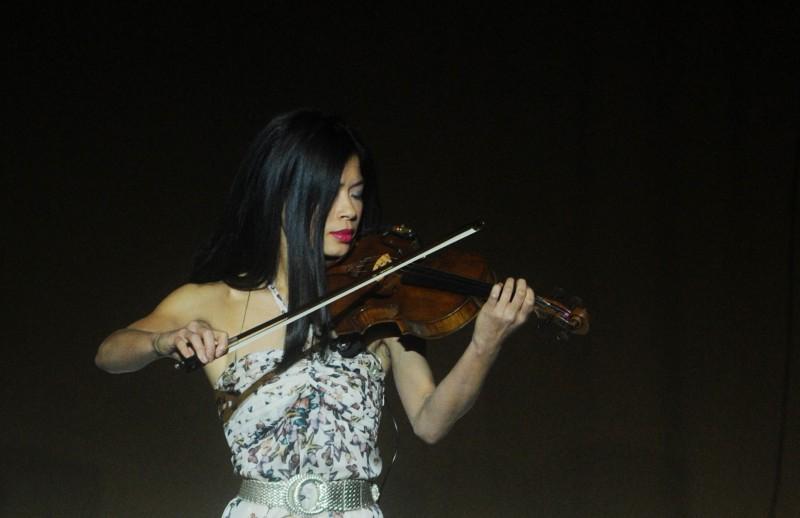 Slavenā vijolniece Vanesa Meja gatavojas startēt Soču olimpiādē