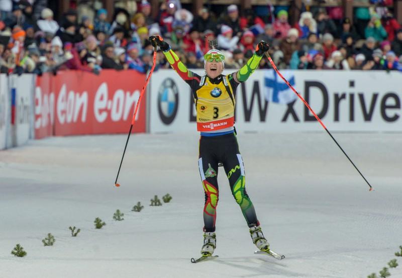 Dālmeiera uzvar sezonas pēdējā posmā, kopvērtējumā triumfē Domračeva
