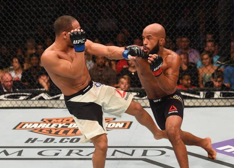 Džonsons otrreiz uzveic Dodsonu un nosargā UFC titulu
