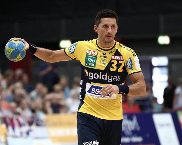 Aleksandram Pētersonam uzvaras vārti Magdeburgā