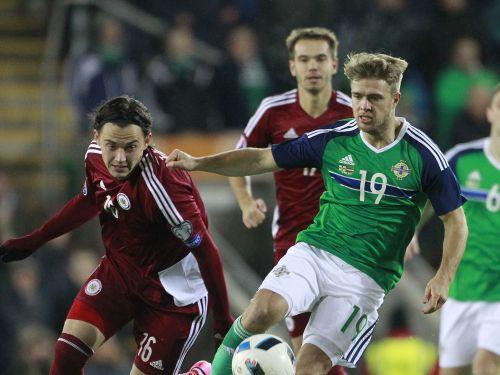 Latvija ar 0:1 piekāpjas Ziemeļīrijai, Šteinbors debitē