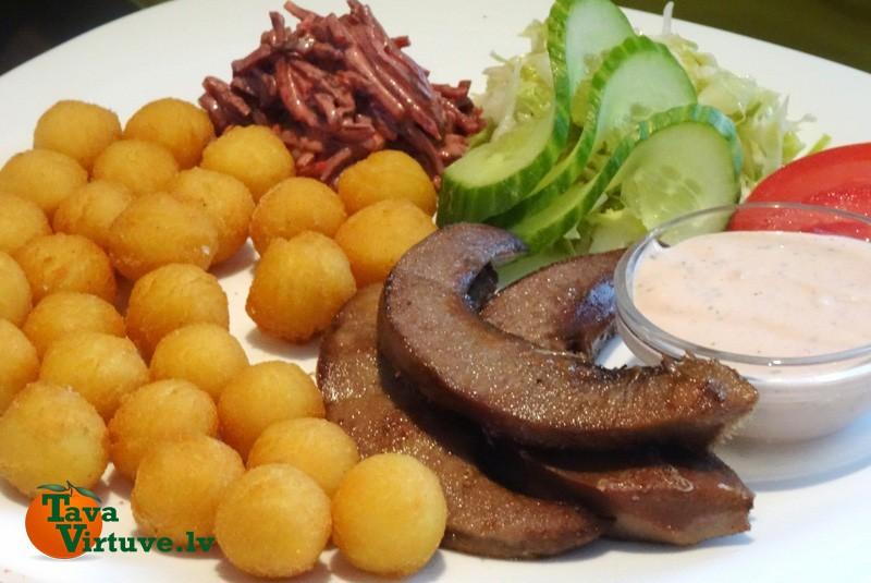 Eļļā vārītas kartupeļu bumbiņas
