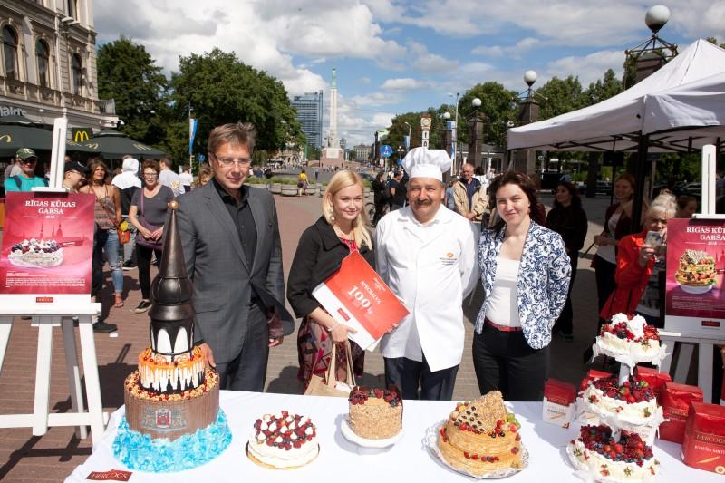 Par godu Rīgas svētkiem izvēlēta labākā Rīgas kūka