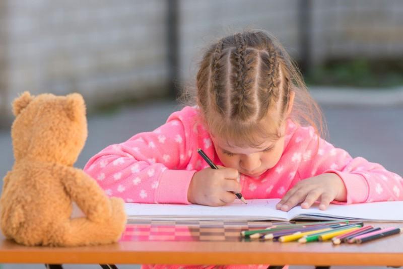 Skolioze bērnam: svarīgākais par stājas korekcijas iespējām