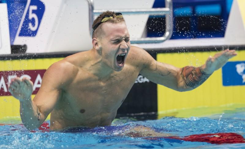 ASV peldētājiem dubultuzvara 100 metros brīvajā stilā, Medeirosa nopelna pirmo zeltu Brazīlijai